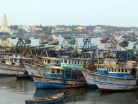 கடல் சீற்றம்: ராமநாதபுர மீனவர்கள் மீன்பிடிக்க செல்லவில்லை