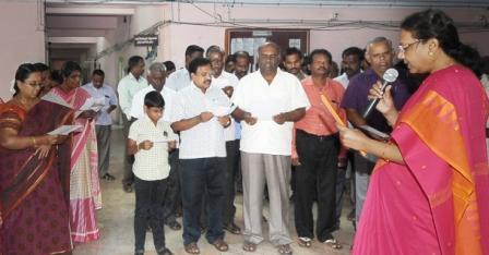 தேசிய ஒற்றுமை நாள் உறுதிமொழி : பெரம்பலூர் ஆட்சியரக அலுவலர்கள் ஏற்றனர்.