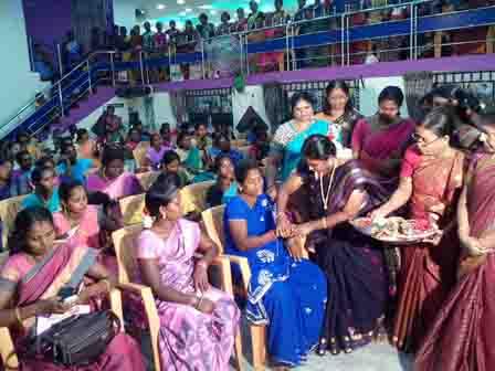 ராமநாதபுரத்தில் கர்ப்பிணிகளுக்கு விமர்சையாக நடந்த சமுதாய வளைகாப்பு விழா