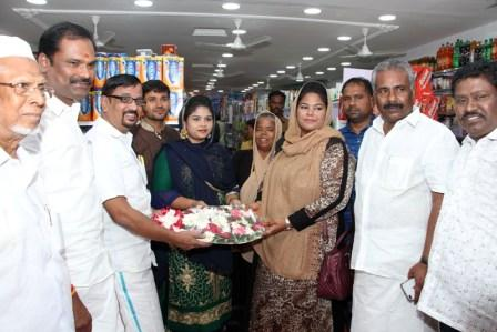 ராமநாதபுரத்தில் சப்ரா குழுமத்தின் சூப்பர் மார்க்கெட் திறப்பு விழா