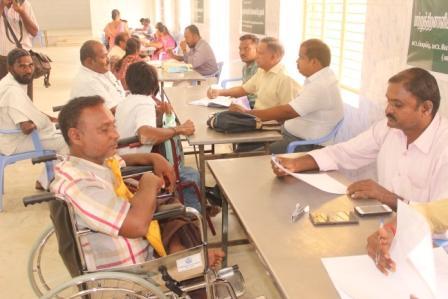 நாமக்கல்லில் மாற்றுத் திறனாளிகளுக்கான தனியார் துறை வேலைவாய்ப்பு முகாம் : 279 பேர் பங்கேற்பு