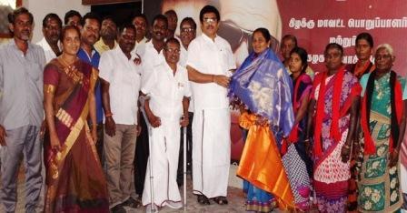 நாமக்கல்லில், மாற்றுக் கட்சியினர் 20 க்கும் மேற்பட்டவர்கள் திமுகவில் இணைந்தனர்.